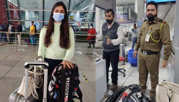 शूटर मनु भाकर दिल्ली एयरपोर्ट पर हुईं 'अपमानित', दो गन के लिए मांगे गए 10 हजार रुपए
