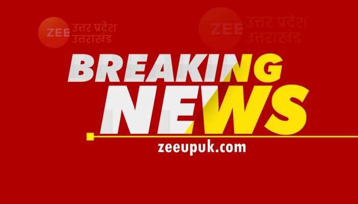 मथुरा में तेज रफ्तार ओमनी कार ट्रक में घुसी, हादसे में 4 की मौत, 3 घायल