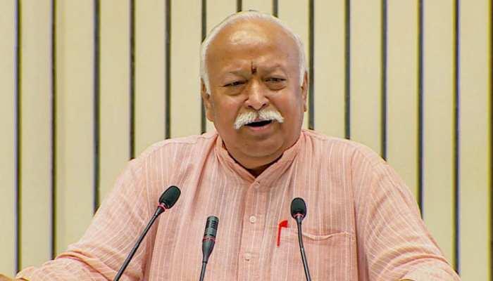 मुस्लिम हमलावरों पर जमकर बरसे RSS प्रमुख Mohan Bhagwat, कहा- देश को लूटा और यहीं बस गए