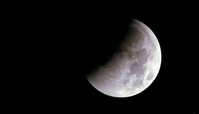 Daily Horoscope 22 February 2021: राशिफल में जानें चंद्रमा की कमजोर दशा का उपाय, ऐसा बीतेगा आज का दिन