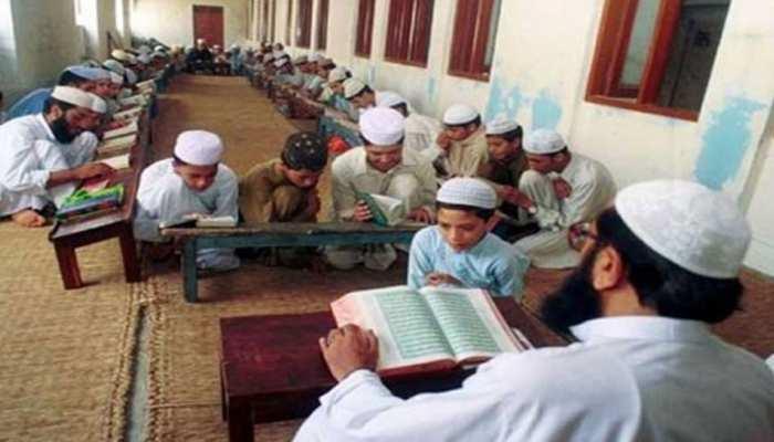 UP के मदरसों में नहीं चलेगी प्रबंध समिति की मनमानी,शिक्षकों को मिलेगा उनका हक