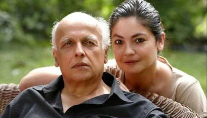 Birthday Special: पिता के साथ लिपलॉक पोज देने वालीं पूजा भट्ट कभी करती थीं उनसे नफरत