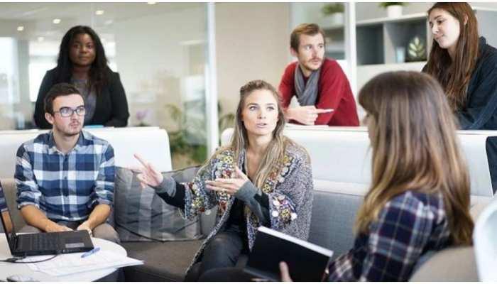Office Gossip से बचना है तो ध्यान में रखें ये जरूरी बातें