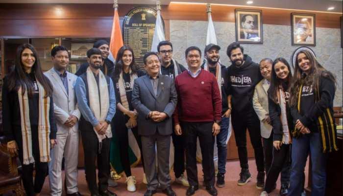 वरुण धवन और कृति सेनन ने की अरुणाचल के मुख्यमंत्री से खास मुलाकात, सामने आईं तस्वीरें