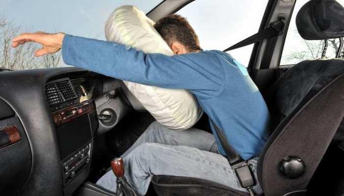 कार में आगे की सीटों के लिए अनिवार्य हुआ एयरबैग, कार चालकों को 1 अप्रैल तक की मोहलत