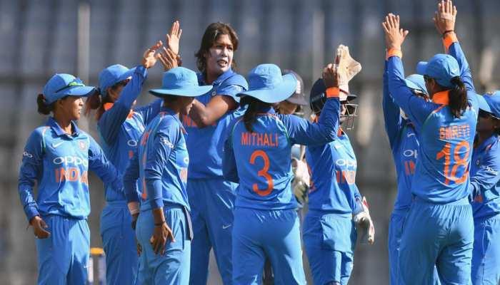 दक्षिण अफ्रीका के खिलाफ Shikha Pandey को टीम में जगह नहीं मिलने पर विवाद, Harmanpreet Kaur ने दी सफाई