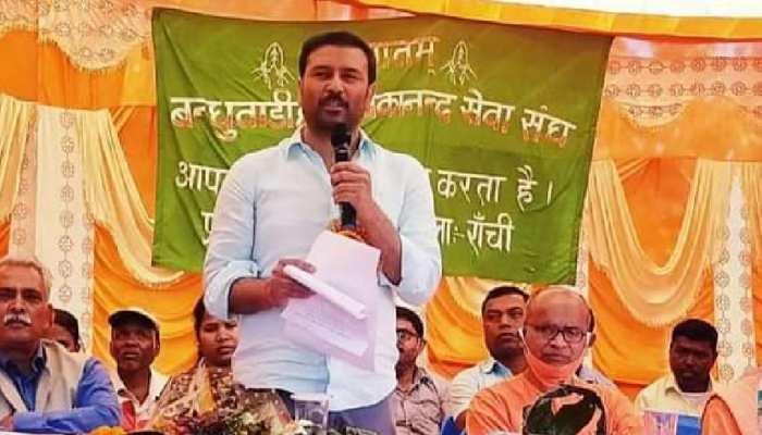 झारखंड की दो MLA वाली पार्टी से BJP ने बंगाल में क्यों किया गठबंधन, जानिए वजह