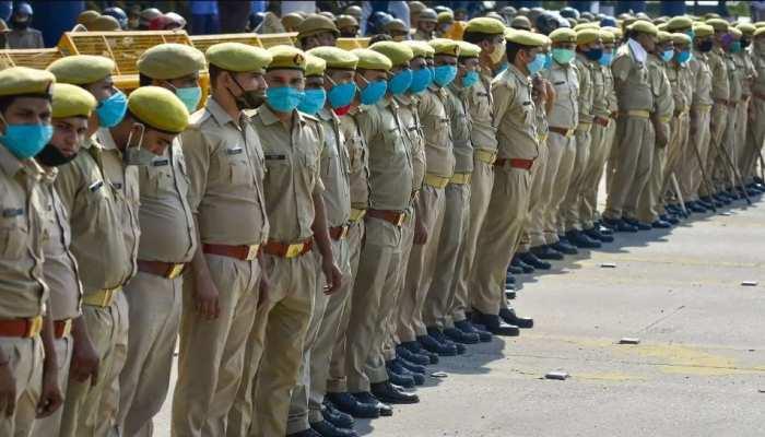 UP Police Recruitment 2021: लिखित परीक्षा में दो उम्मीदवारों के एक जैसे अंक आने पर किसका होगा चयन? जानें क्या हैं रूल