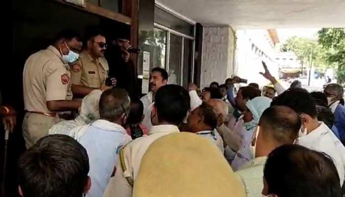 Jaipur News: कर्मचारी संघ ने जलदाय विभाग के मुख्य अभियंता का किया घेराव, भ्रष्टाचार के लगाए आरोप
