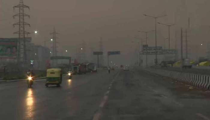 Weather Update: दिल्ली-एनसीआर में अचानक बदला मौसम का मिजाज, गरज के साथ बारिश; छाया घना अंधेरा