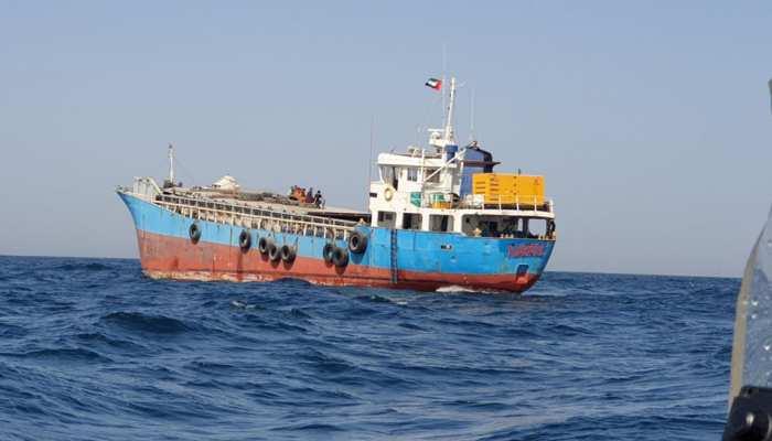 Indian Navy का बड़ा ऑपरेशन, Oman Sea में फंसे मर्चेंट नेवी के जहाज को डूबने से बचाया