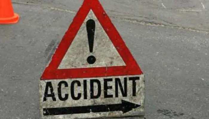 Dhamtari Bus Accident: तेज रफ्तार बस अनियंत्रित होकर पलटी, दो की मौत, कई घायल