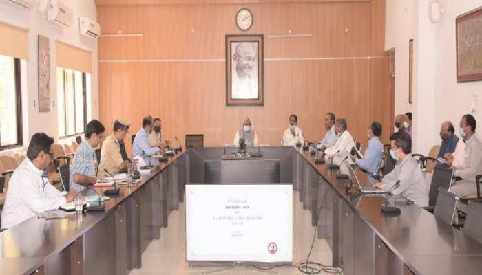 Bihar: CM नीतीश का अधिकारियों को दो टूक, कहा-शराब के धंधे में लिप्त लोगों पर हो सख्त कार्रवाई