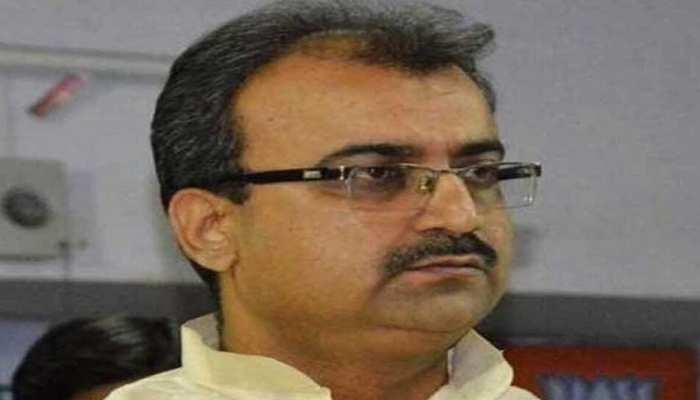 Bihar: कांग्रेस MLC के सवाल के जवाब में मंगल पांडेय बोले- मेरा FB और ट्विटर एकाउंट देख लें