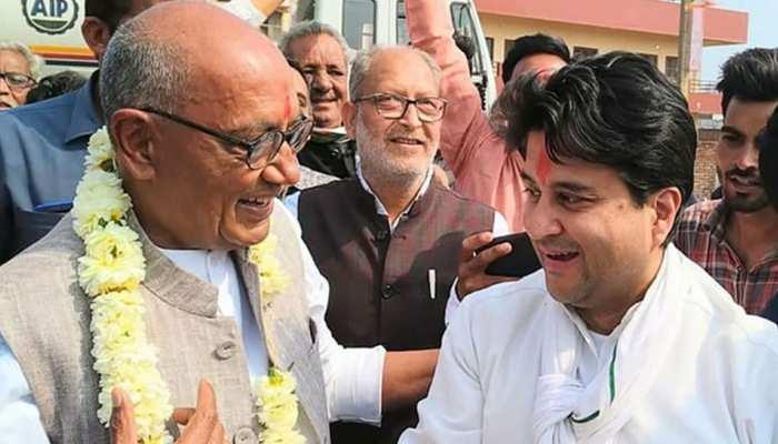 दिग्विजय का तंज: सिंधिया कांग्रेस में 'महाराज' थे, भाजपा ने 1 साल में उन्हें 'भाई साहब' बना दिया