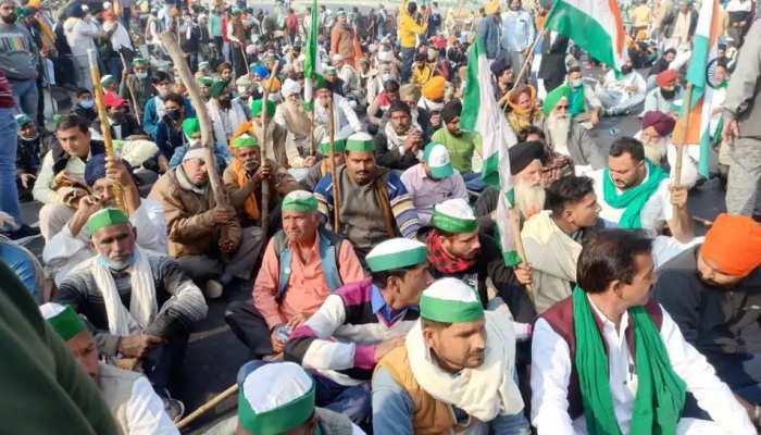 Farmers Protest: Holi पर गांव नहीं जाएंगे किसान, धरना स्थलों पर जलाएंगे नए कृषि कानूनों की प्रतियां