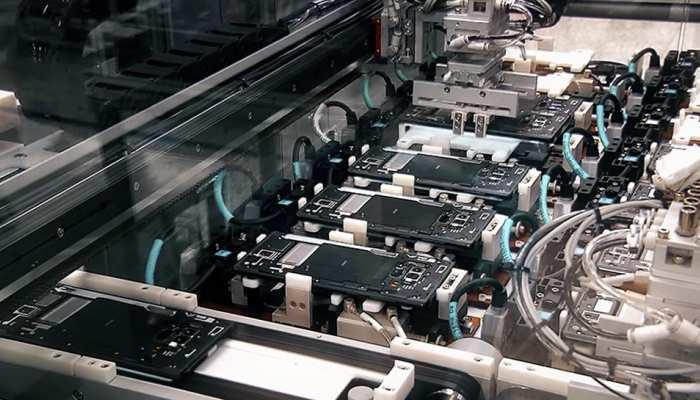 Business News: मोबाइल मैन्युफैक्चरिंग के मामले में China को कड़ी टक्कर देने जा रहा है भारत, जानिए कैसे