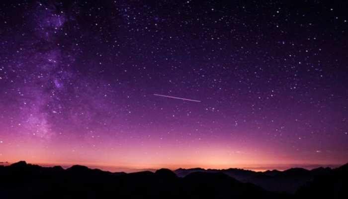 Meteor Streaks Over Cuba: क्यूबा में आसमान से बरसा आग का गोला, Asteroid की रोशनी से रात में दिखा दिन जैसा नजारा
