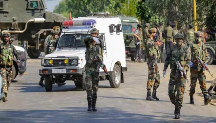 Jammu and Kashmir: सुरक्षाबलों को मिली बड़ी कामयाबी, शोपियां में 4 आतंकियों को मार गिराया