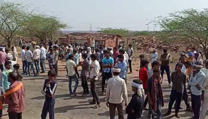 Karauli Samachar: ट्रैक्टर चालक की मौत पर बवाल, ग्रामीणों ने की सड़क जाम