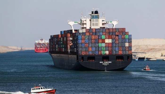 समंदर में ट्रैफिक जाम: स्वेज नहर में फंसा बहुत बड़ा जहाज, ये है दुनिया की सबसे महत्वपूर्ण शिपिंग लेन