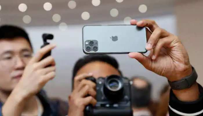 Bumper offer on iPhone 11 during Holi festival