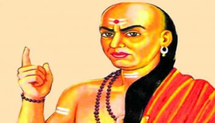 Chanakya Niti: କ'ଣ ଆପଣଙ୍କ ଠାରେ ଏହି ୪ ଟି ଗୁଣ ଅଛି ତେବେ ଆପଣ ସର୍ବଶ୍ରେଷ୍ଠ ବ୍ୟକ୍ତିତ୍ୱ ?