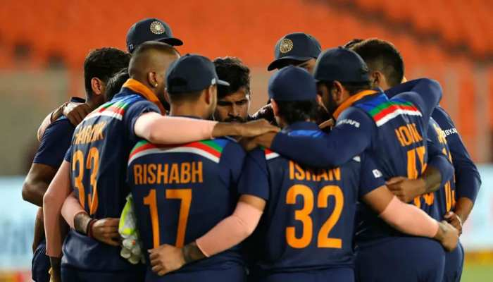 IND vs ENG: Team India में इस वक्त हैं 2 वैकेंसी, इन प्लेयर्स को मिलेगा मौका!