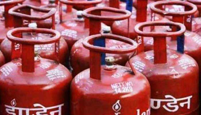 Grab 700 rupees cashback on LPG Cylinder through Paytm Booking