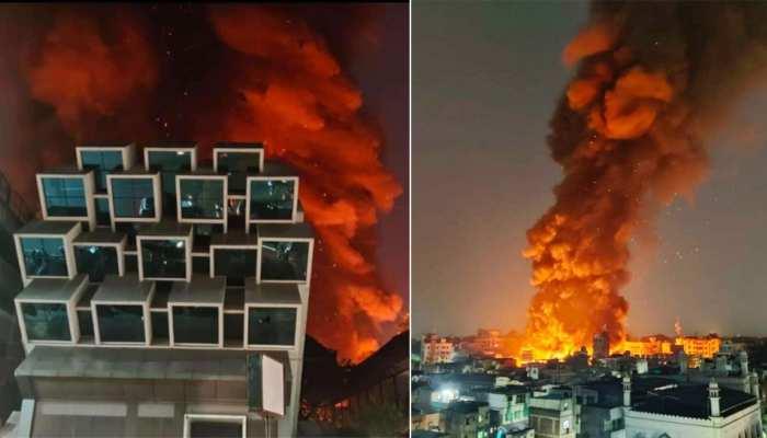 Pune Fire: महाराष्ट्र के पुणे में फैशन स्ट्रीट में लगी भयानक आग, सैकड़ों दुकानें जलकर राख, देखिए VIDEO