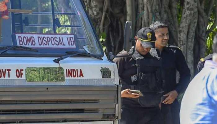 West Bengal: चुनाव के बीच हिंसा का दौर जारी, 24 परगना जिले में हमले में 7 लोग घायल