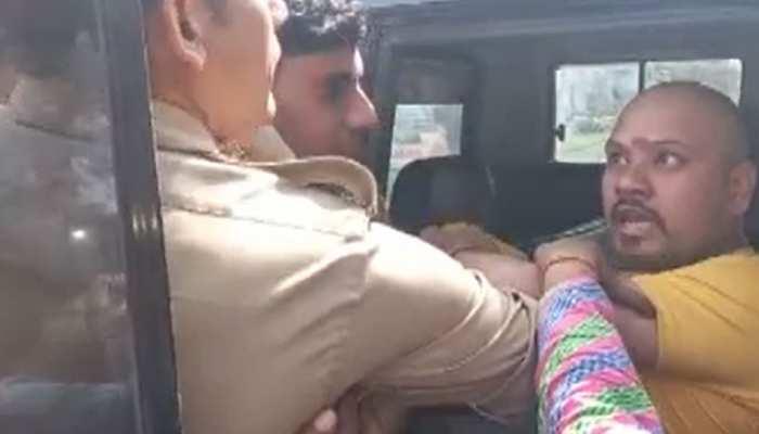 होली के दौरान विवाद, बागपत में पुलिस वाले पर हमला