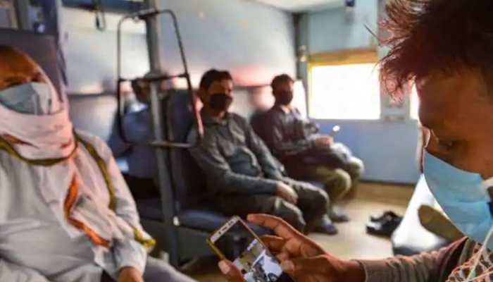 Western Railway का फैसला, अब यात्री रात में चार्ज नहीं कर सकेंगे मोबाइल-लैपटॉप!