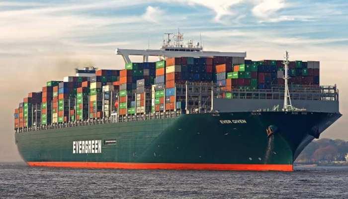 Suez Canal: कैसे निकाला गया स्वेज नहर में फंसा विशालकाय मालवाहक जहाज एवर गिवेन? इस ड्रेजिंग जहाज ने की मदद