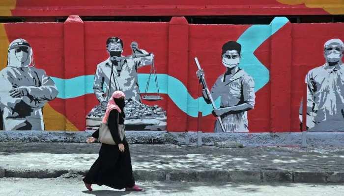 झारखंड में कलाकारों के लिए दीवारें बनी Canvas, उतारी संस्कृति की आकृतियां