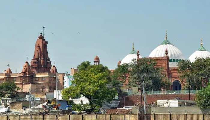 Mathura के श्रीकृष्ण जन्मभूमि मामले में दावा, Agra के लालकिले में दबी हैं मंदिर की प्रतिमा