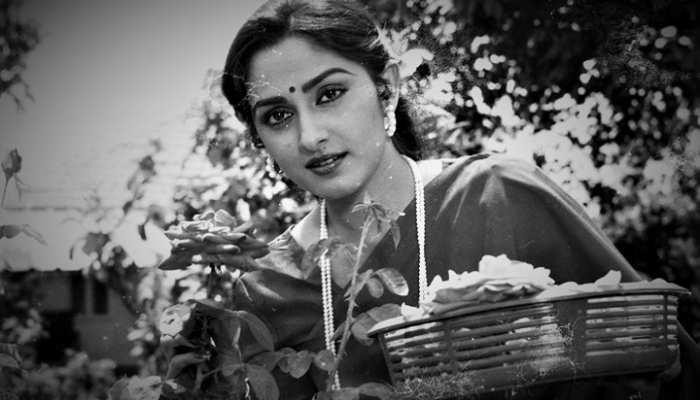 Birthday Special: बॉलीवुड, शादी और राजनीति हर जगह विवादों से घिरी रहीं जया प्रदा