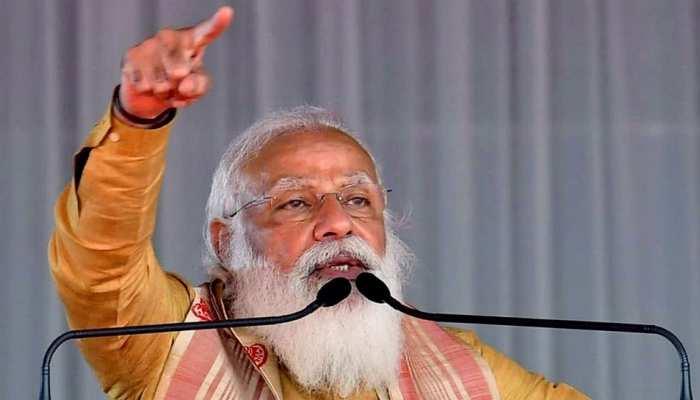 Assam की रैली में अचानक बिगड़ी शख्स की तबीयत तो PM ने रोक दिया भाषण, अपने डॉक्टरों को इलाज के लिए भेजा
