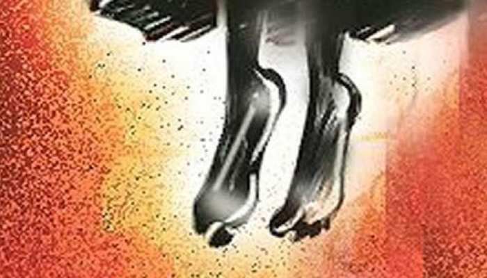 Gaya: जूस लेकर लौटे बेटे के उड़े होश, मां को पंखे से झूलता देख हुआ बेहोश