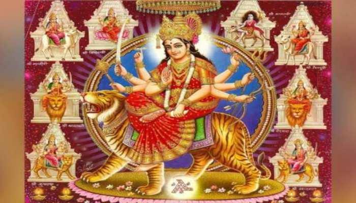 Chaitra Navratri 2021: नवरात्रि के 9 दिनों में देवी मां को चढ़ाएं ये फूल, पुण्य की होगी प्राप्ति