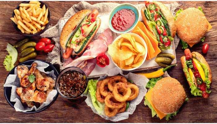 Worst Foods For Health: आपकी Immunity को कमजोर कर सकते हैं ये Foods, इन्हें न खाना ही बेहतर