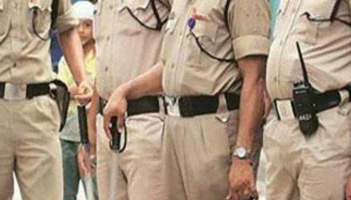 मास्क नहीं लगाने पर युवक को सिपाही ने दी धमकी कहा- 100 रुपये दो, वरना कर देंगे एनकाउंटर