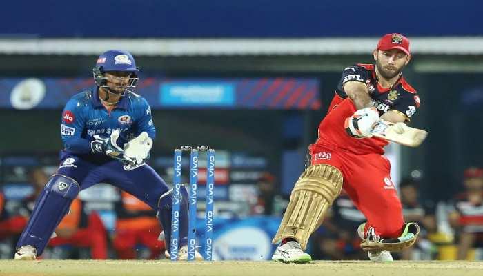 IPL 2021: Glenn Maxwell ने जड़ा आसमानी छक्का, गेंद स्टेडियम के बाहर! Virat Kohli भी रह गए हैरान