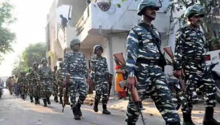 West Bengal Election 2021: इलेक्शन कमीशन ने गृह मंत्रालय को लिखा पत्र, कूचबिहार हिंसा के बाद मांगीं CAPF की 71 और कंपनियां