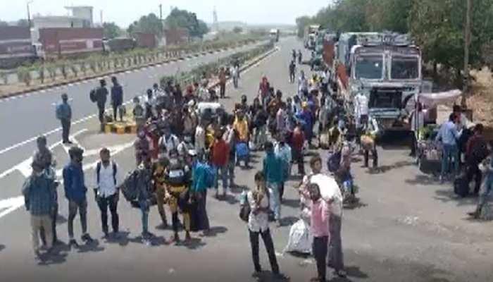 फिर पलायन की मार: कोरोना के चलते महाराष्ट्र से वापस लौट रहे मजदूर, कोई ऑटो तो कोई तपती गर्मी में पैदल ही निकल पड़ा