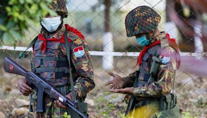 Myanmar: सेना ने मंदिर में लगाया लाशों का ढेर, एक दिन में 82 लोगों का कत्लेआम