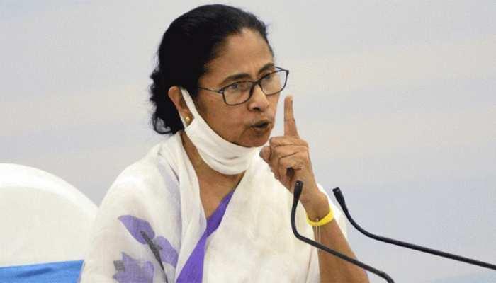 West Bengal: पाबंदी लगने के बाद सख्त हुईं ममता बनर्जी, चुनाव आयोग के खिलाफ करेंगी प्रदर्शन