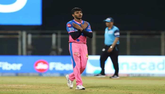 IPL 2021: पिता चलाते थे ऑटो, भाई ने कर ली थी आत्महत्या, फिर भी Chetan Sakariya बन गए स्टार