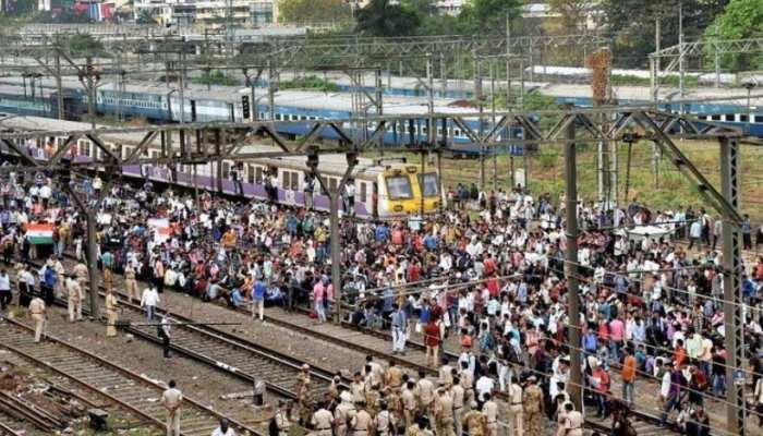 महाराष्ट्र में कोरोना के कहर से मजदूरों का पलायन तेज