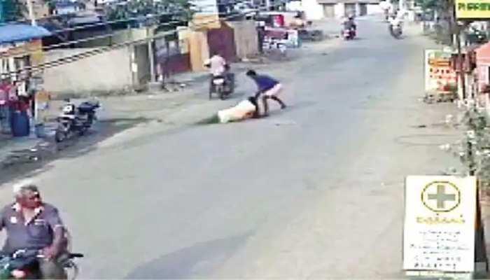 Chennai: सोने की चेन छीनते समय झपटमार ने महिला को सड़क पर घसीटा, 8 महीने की प्रेगनेंट है पीड़ित